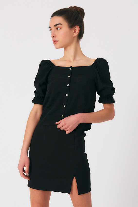 - Robin Düğme Detaylı Desenli Bluz SİYAH
