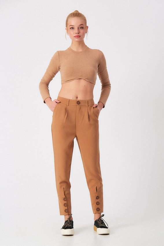 - Robin Paçası Düğme Detaylı Pantolon CAMEL